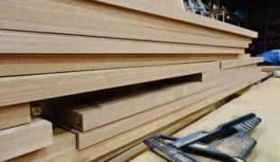 天然乾燥、自然素材。タモ材、加工中8,06