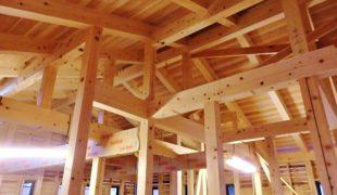 熟練大工職人が自然素材手刻み木組み創る健康木造住宅、香る家、造作作業9,21