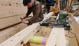 熟練職人、自然素材、天然乾燥、手刻み木組み創る健康木造住宅10,01